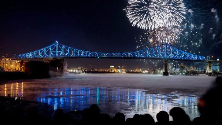 تصویری از آتشبازی سال ۲۰۱۸ روی پل ژک کرتیه / Photo: Graham Hughes/Canadian Press