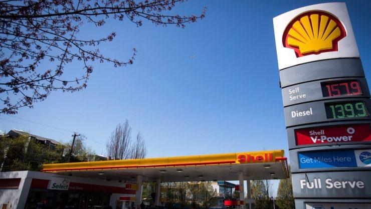 اشتباه در محاسبه قیمت بنزین، کبکیها به مدت سه سال تا ۲۰٪ هزینه بیشتری پرداختهاند / THE CANADIAN PRESS/Darryl Dyck