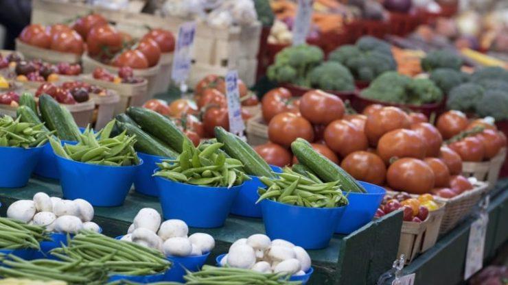 افزایش تورم و قیمت موادغذایی (Paul Chiasson/The Canadian Press)