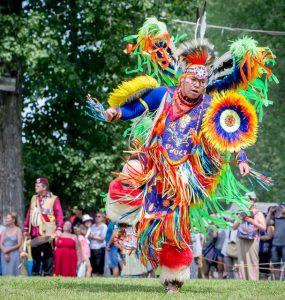 پاوواو: رویدادی برای حفظ سنتها، دوستی و همزیستی مسالمتآمیز
