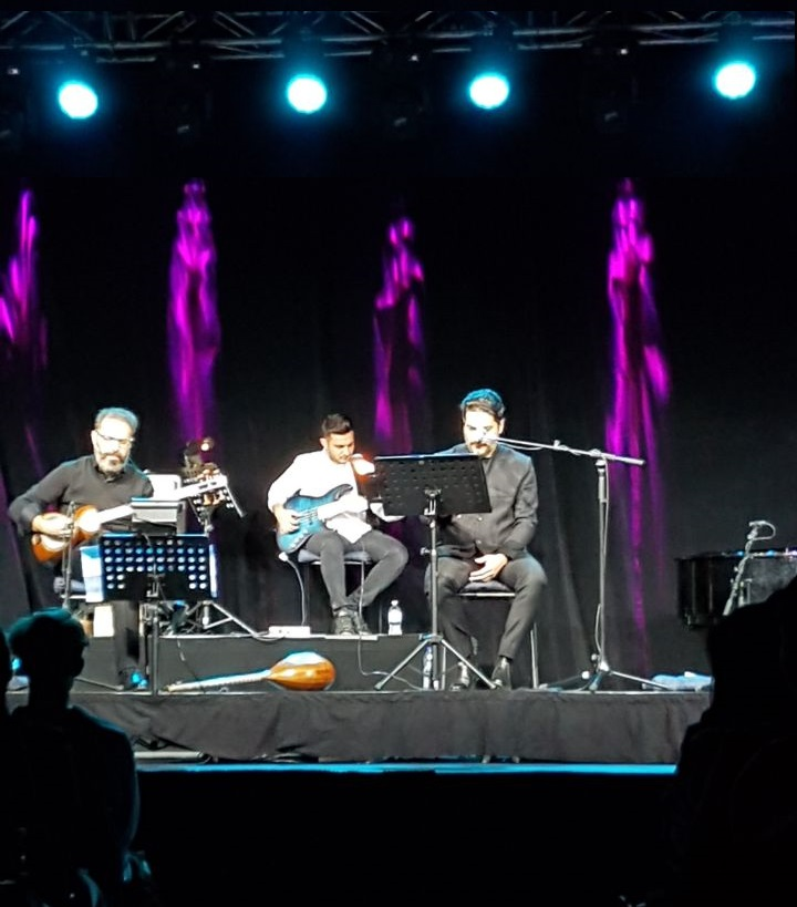 آواز همایون شجریان و موسیقی برادران پورناظری جای هیچ شکایتی باقی نمیگذاشت Mehrnoush Ardalan Yekta / Médad e-Magazine