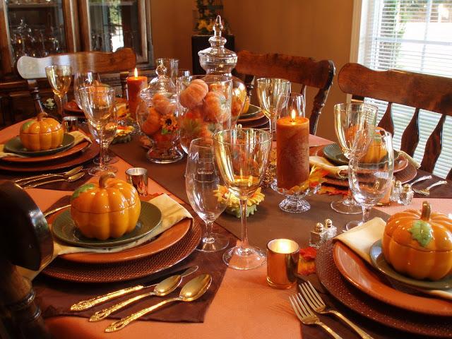 عید شکرگزاری بهانه ای است برای جمع شدن اعضای خانواده دور یک میز غذا