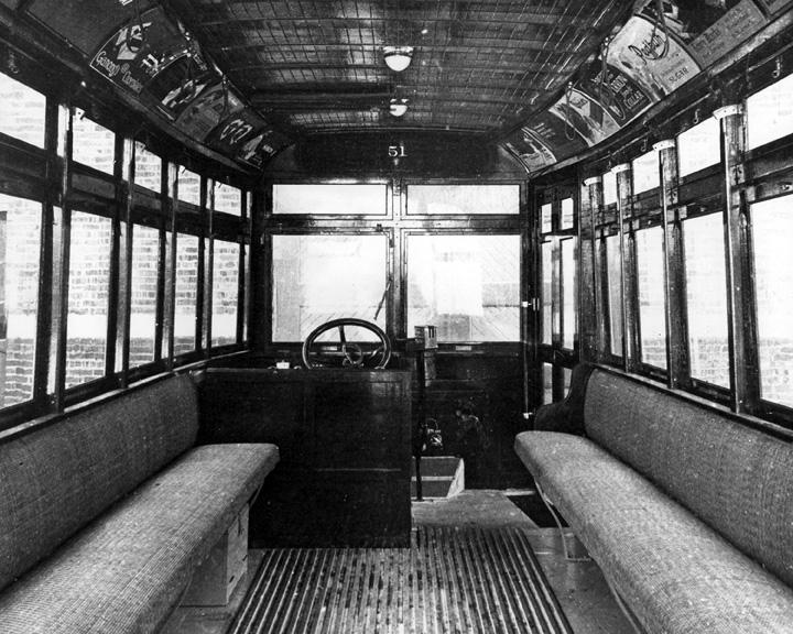 نمای داخلی اولین اتوبوسهای مونترال / Photo: STM