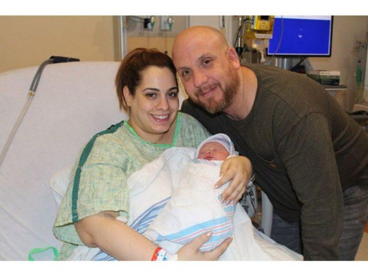«مارییلا» همراه با والدینش در بیمارستان MUHC