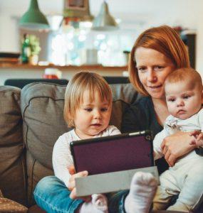 ۵ باور نادرست درباره تربیت فرزندانی دوزبانه